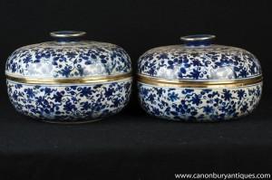 Pair chinesischen Celadon Porzellan Lidded Pots Urnen Blau und Weiß