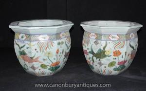 Pair chinesischen Ming-Porzellan Töpfe Pflanz Octagonal Urnen Handgemalte