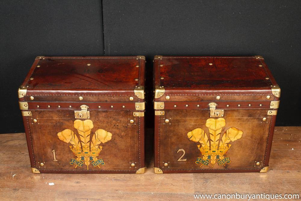 Paar Englisch Steamer Trunk Gepäck Cases Side Couchtische