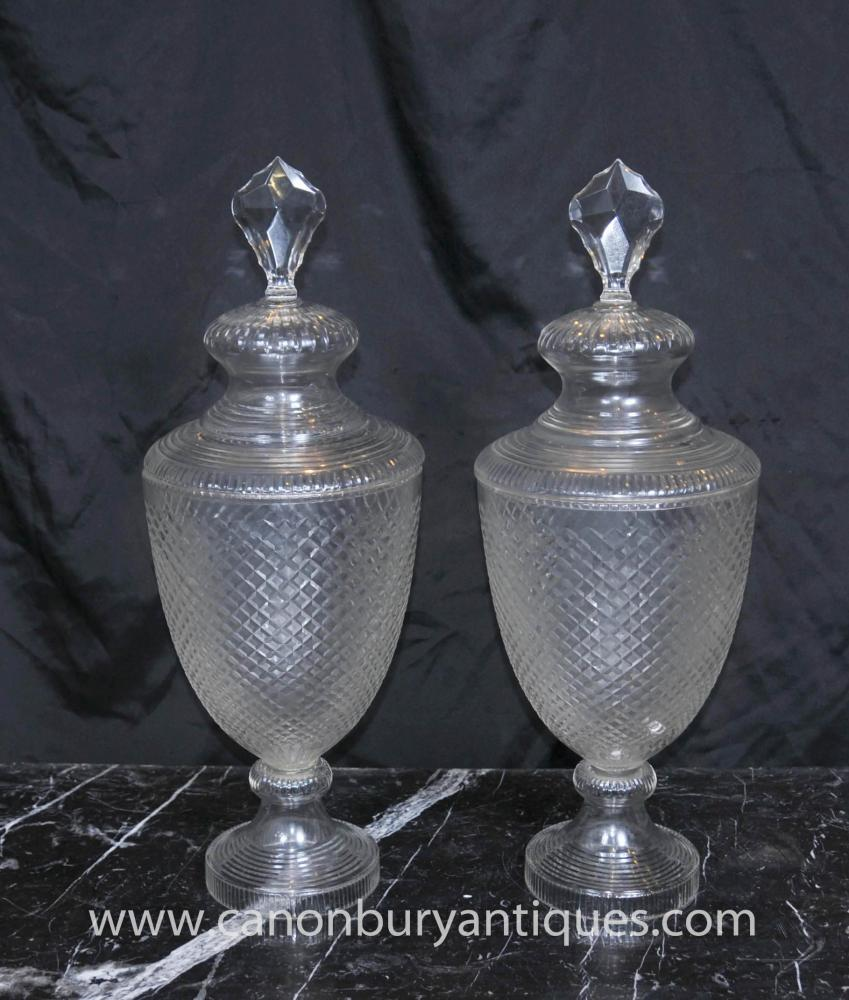 Pair Antique Victorian Cut Glass Urnen Deckelvase
