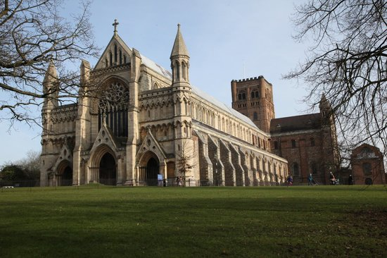 st-albans-cathedral near canonbury antiques