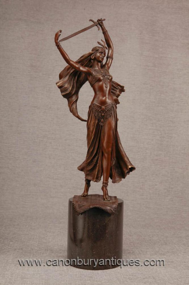 Französisch Bronze Female Schwertschlucker Exotic Dancer Figurine