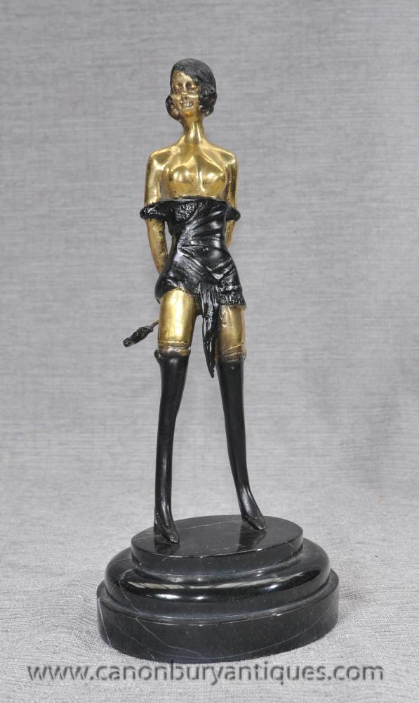 Französisch Bronze Casting Erotic Dominatrix Figurine Whiplash