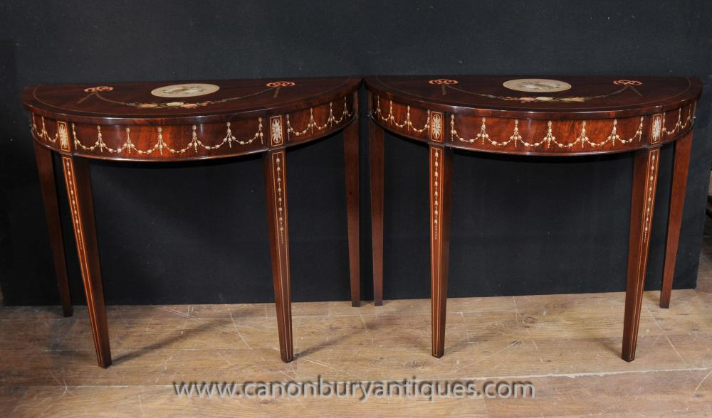 Pair Sheraton Painted Console Tables in Mahagoni Regency Möbel