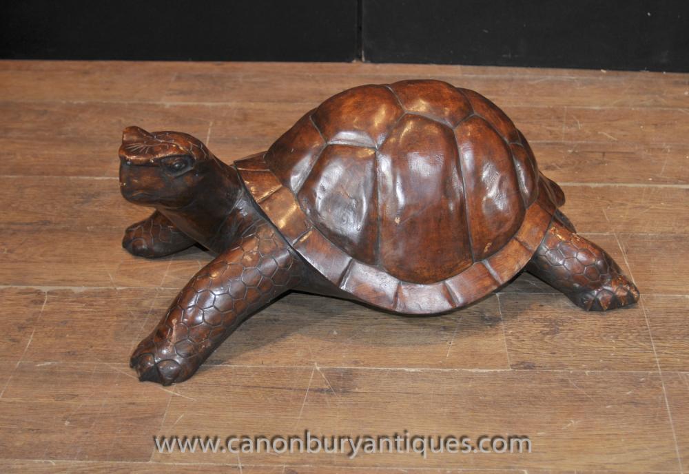 Hand geschnitzte Riesenschildkröte Statue Hölzernes Schnitzen Tiere