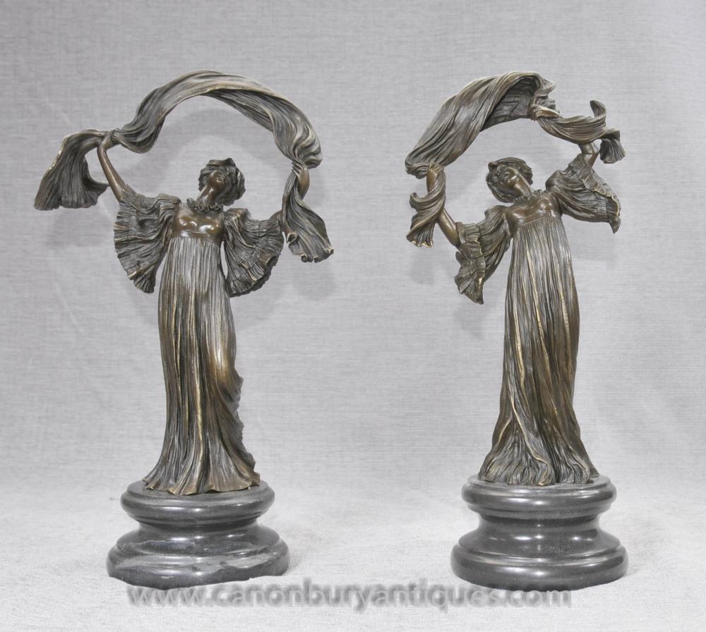 Paar Französisch Jugendstil Bronze Figuren von Loie voller