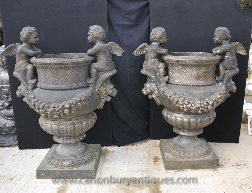 Pair XL Französisch Cast Iron Cherub Garten Urnen Pflanztöpfe