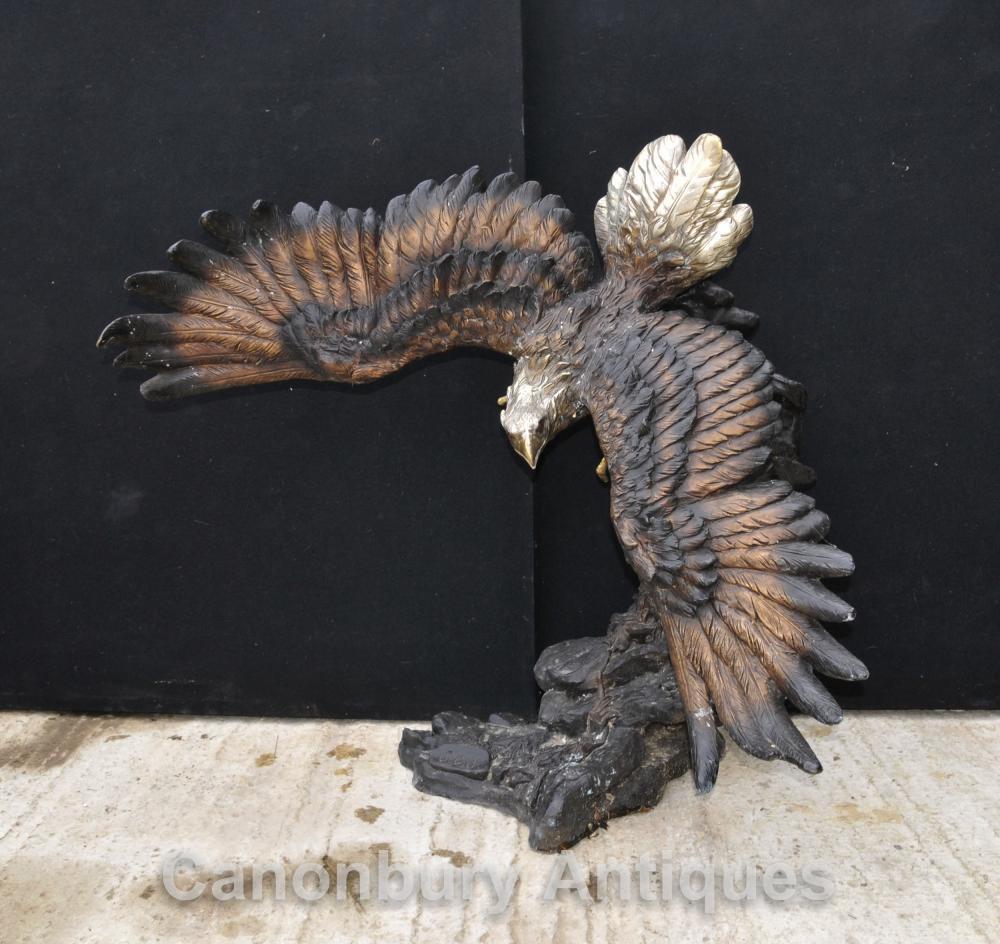 Große Bronze-Statue von einem amerikanischen Weißkopfseeadle