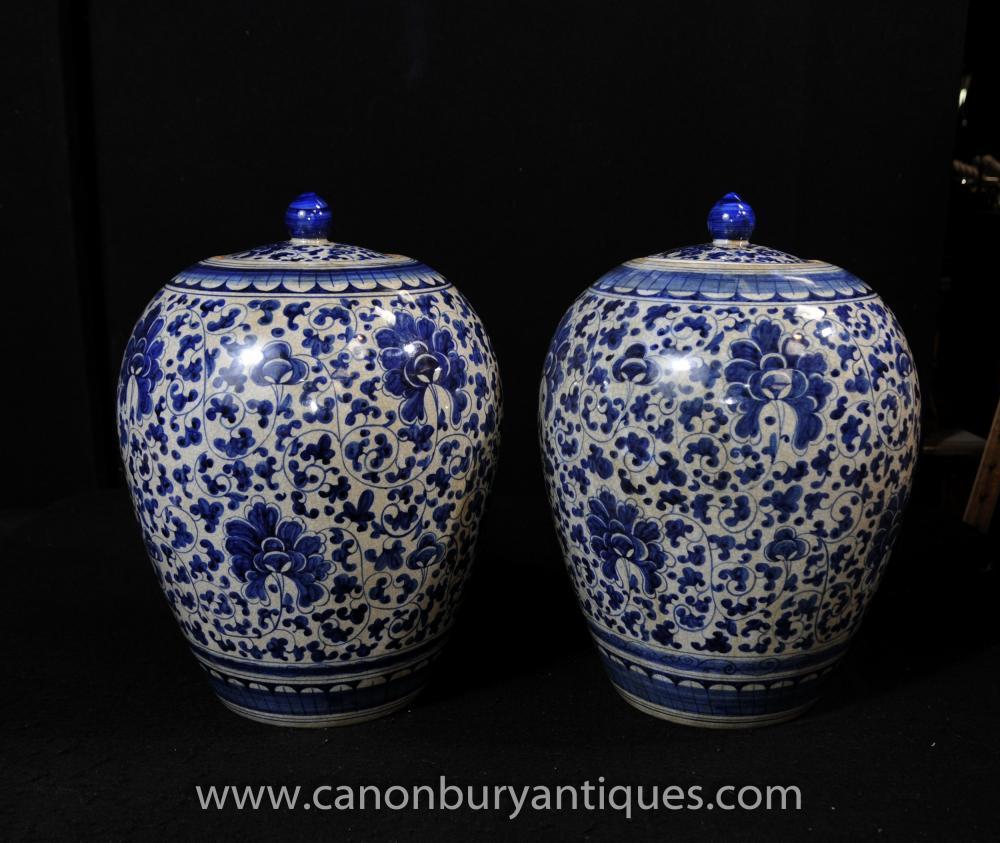 Paar Blau und Weiß Chinesisches Porzellan Lidded Urnen Vasen Gläser Töpfe Kangxi