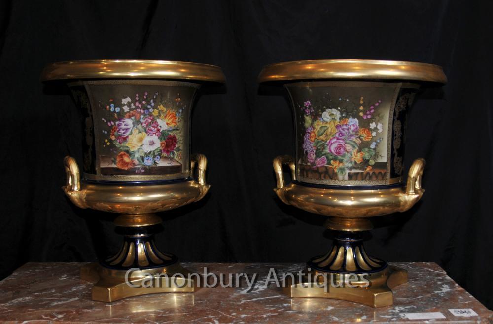 Paar Französisch Sevres Porcelain Floral Campana Urnen Vasen Pflanz