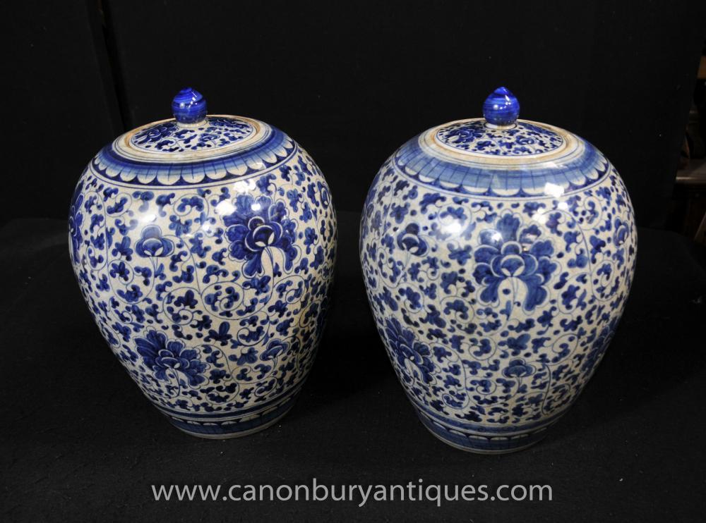 Pair chinesischen Kangxi blau und weiß Porzellan-Blumentöpfe Vasen Urnen