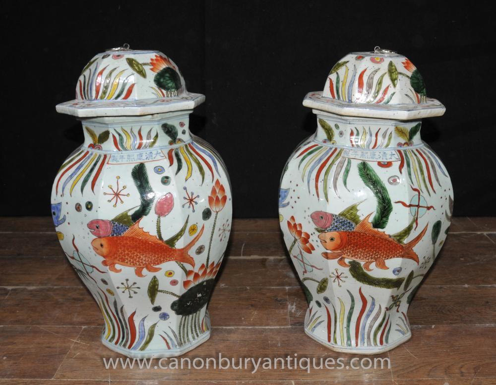 Pair chinesischen Ming Lidded Töpfe Ingwer-Glas Urnen Goldfish