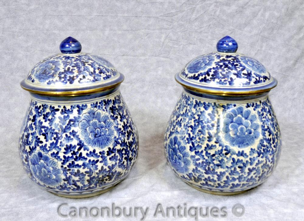 Paar Blau Weiß Porzellan Kangxi Porzellan Urnen Lidded Urn chinesische Vase