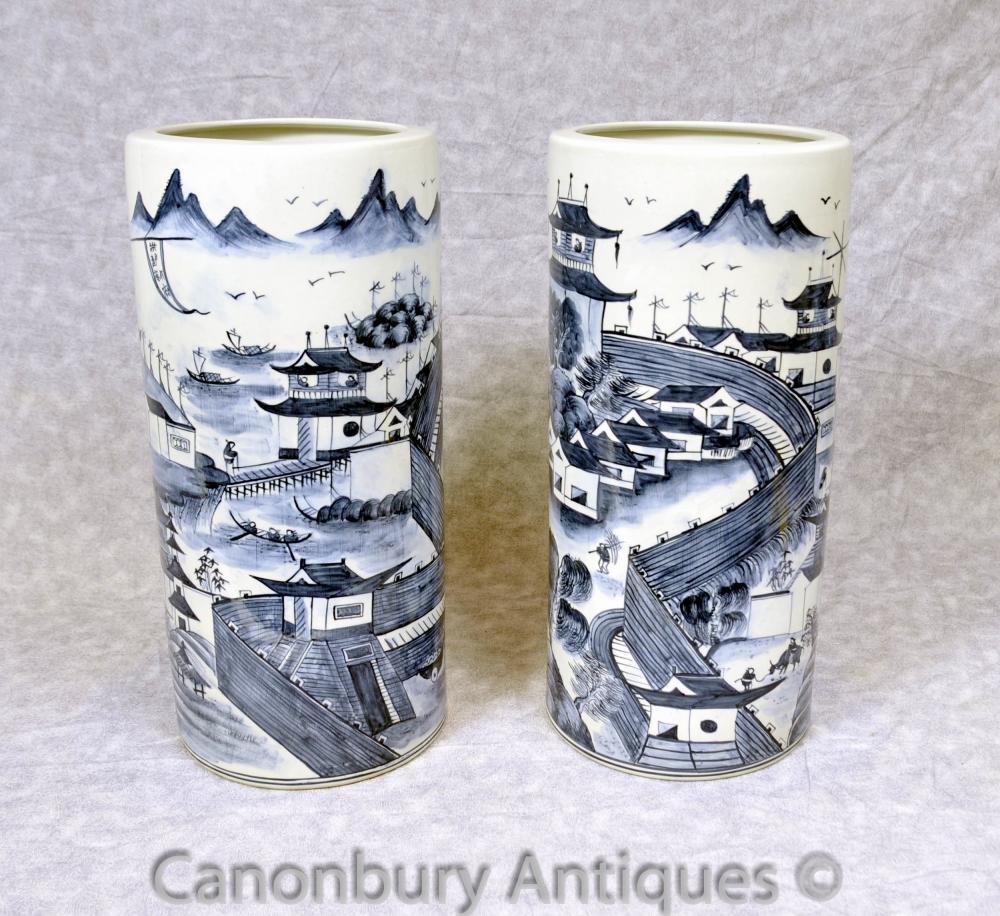 Paar Blau und Weiß Ming Porzellan Schirmständer Urnen Vasen Chinesisch