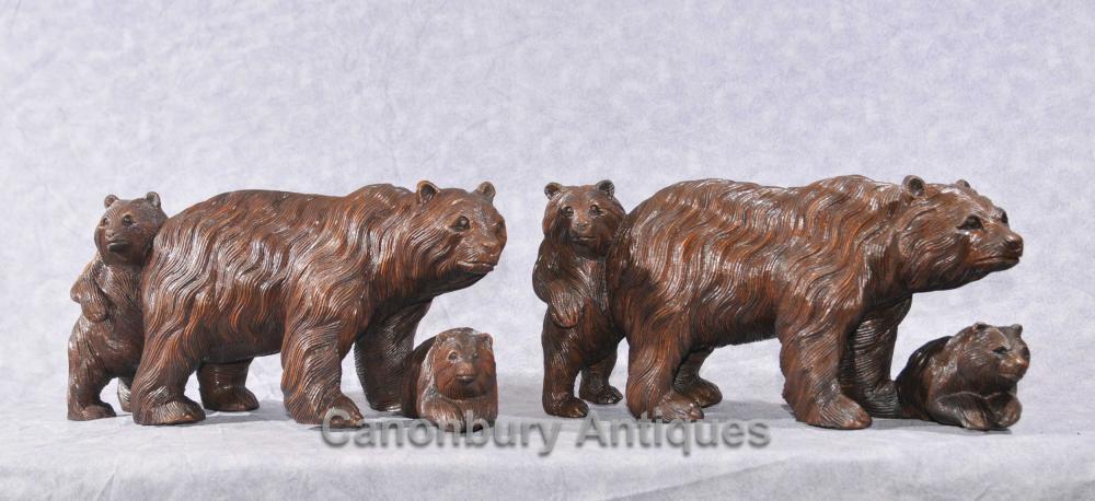 Paar Hand geschnitzte Schwarzwald Bärenjunges Familie Statuen Braunbären