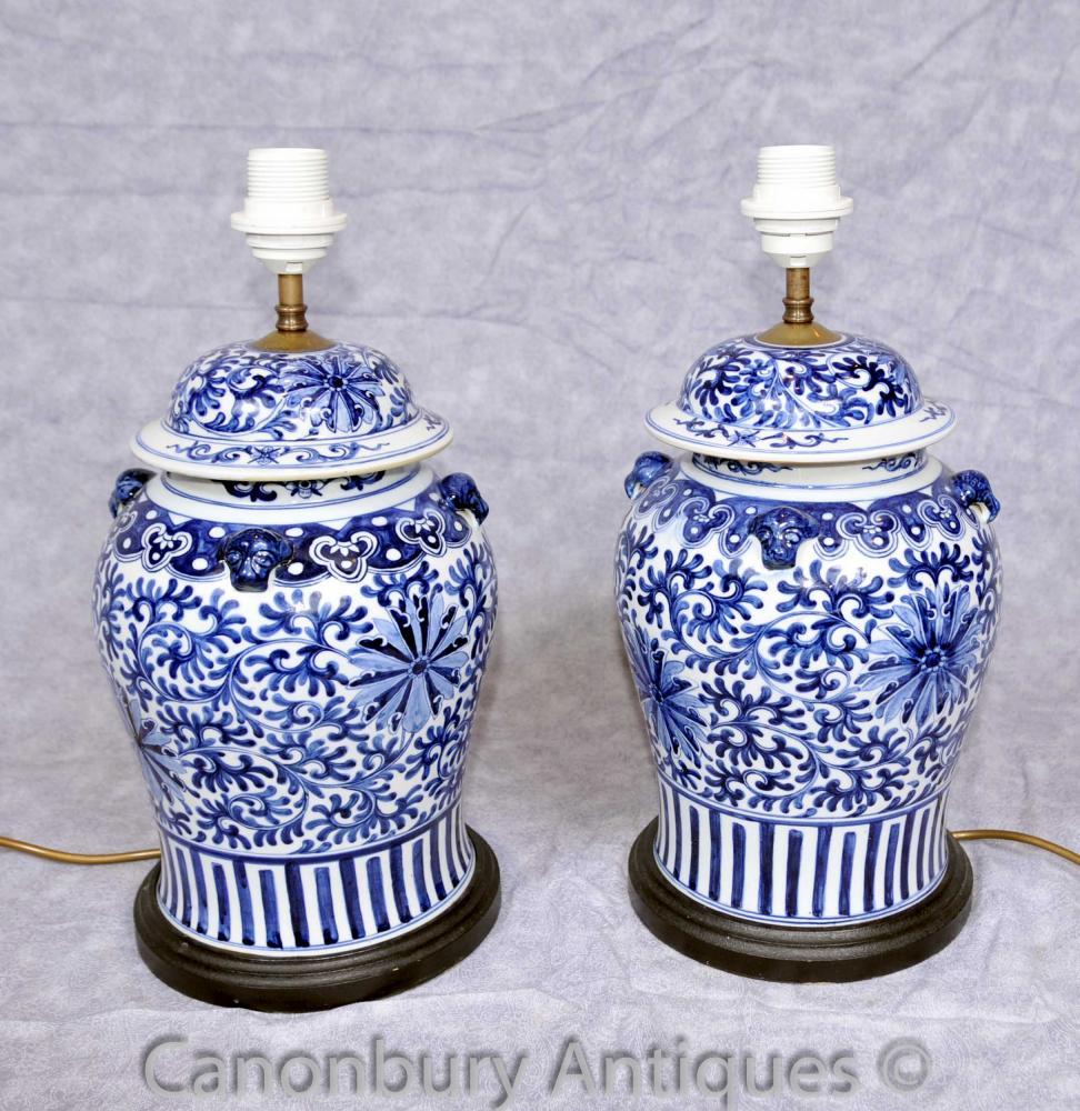Paar Kangxi blau und weiß Porzellan Tischleuchten Leuchten Chinese Urnen