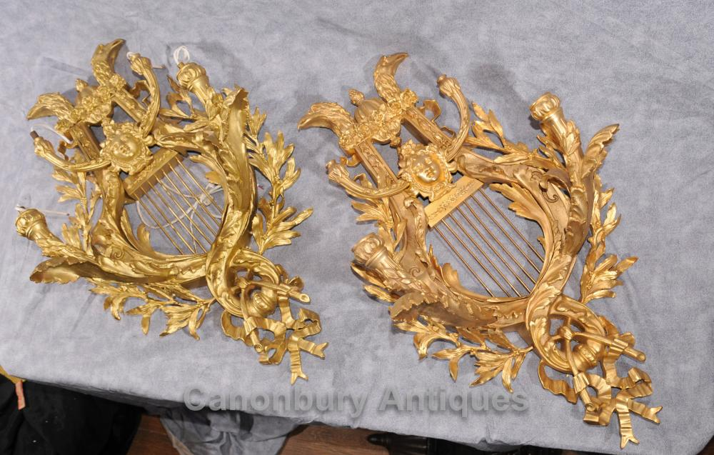 Paar Louis XVI Ormolu Sconces Wandleuchten Lyre Applikationen