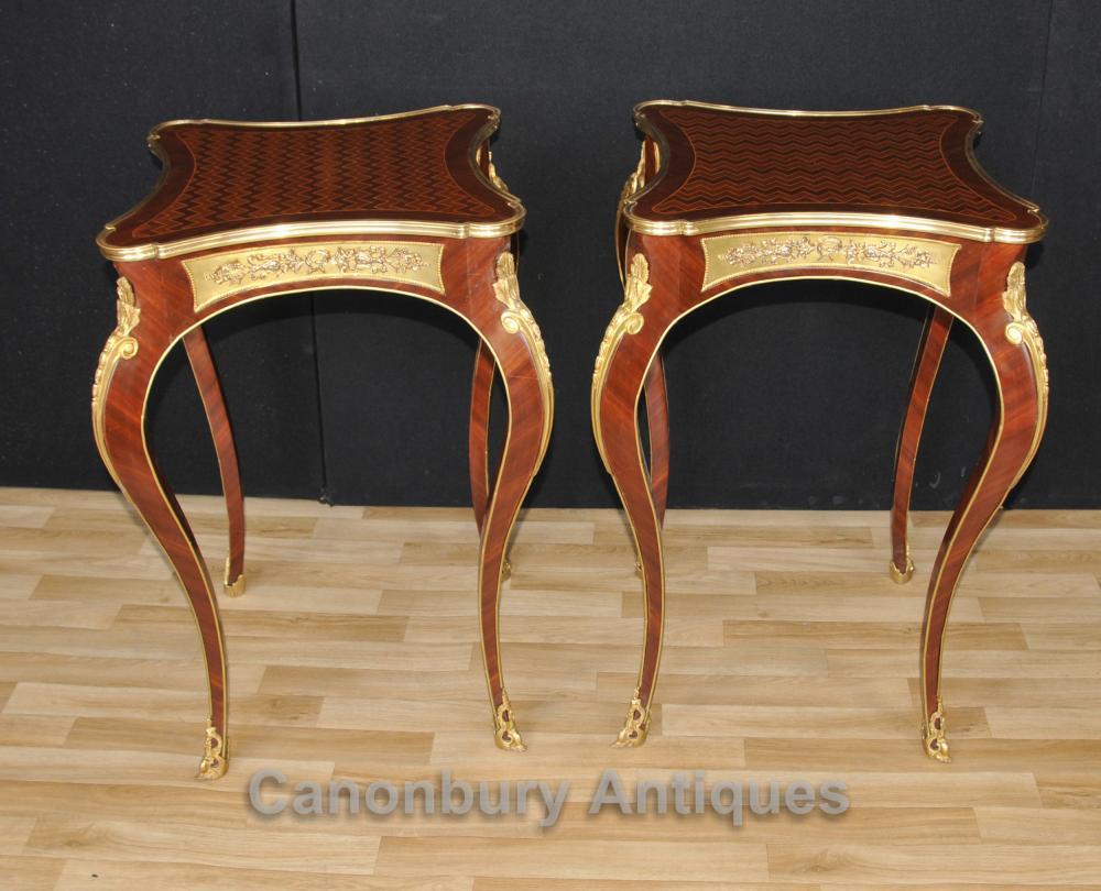 Paar Louis XVI Side Cocktail Tisch Cabriole Beine