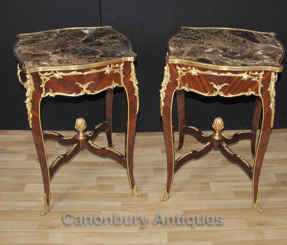 Paar Französisch Louis XVI Side Beistelltische Marmor Tops