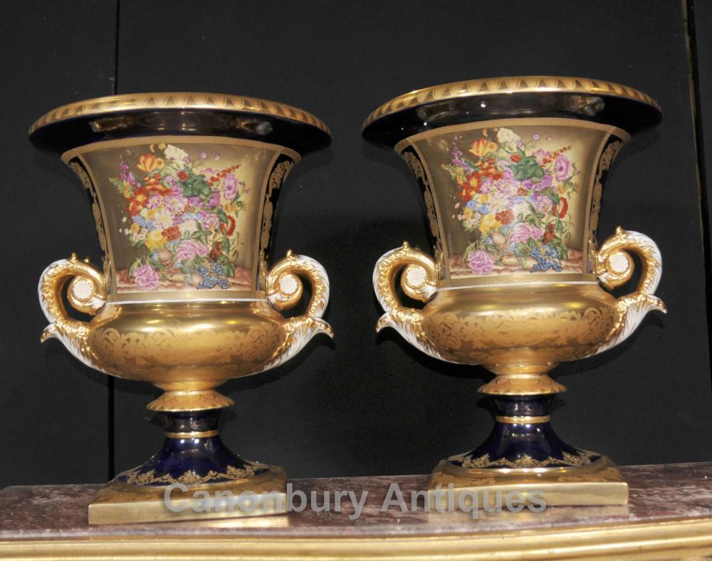 Paar Französisch Sevres Blumenvasen Lidded Urnen