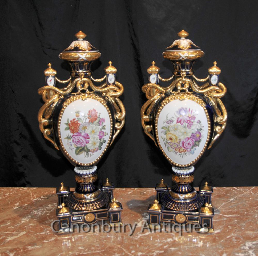 Paar Sevres Blumen Amphora Urnen Vasen Serpent Griffe