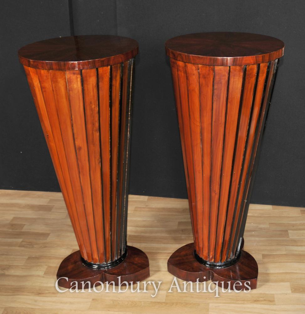 Paar Art Deco Säule Säulentisch gefertigte Chassis steht