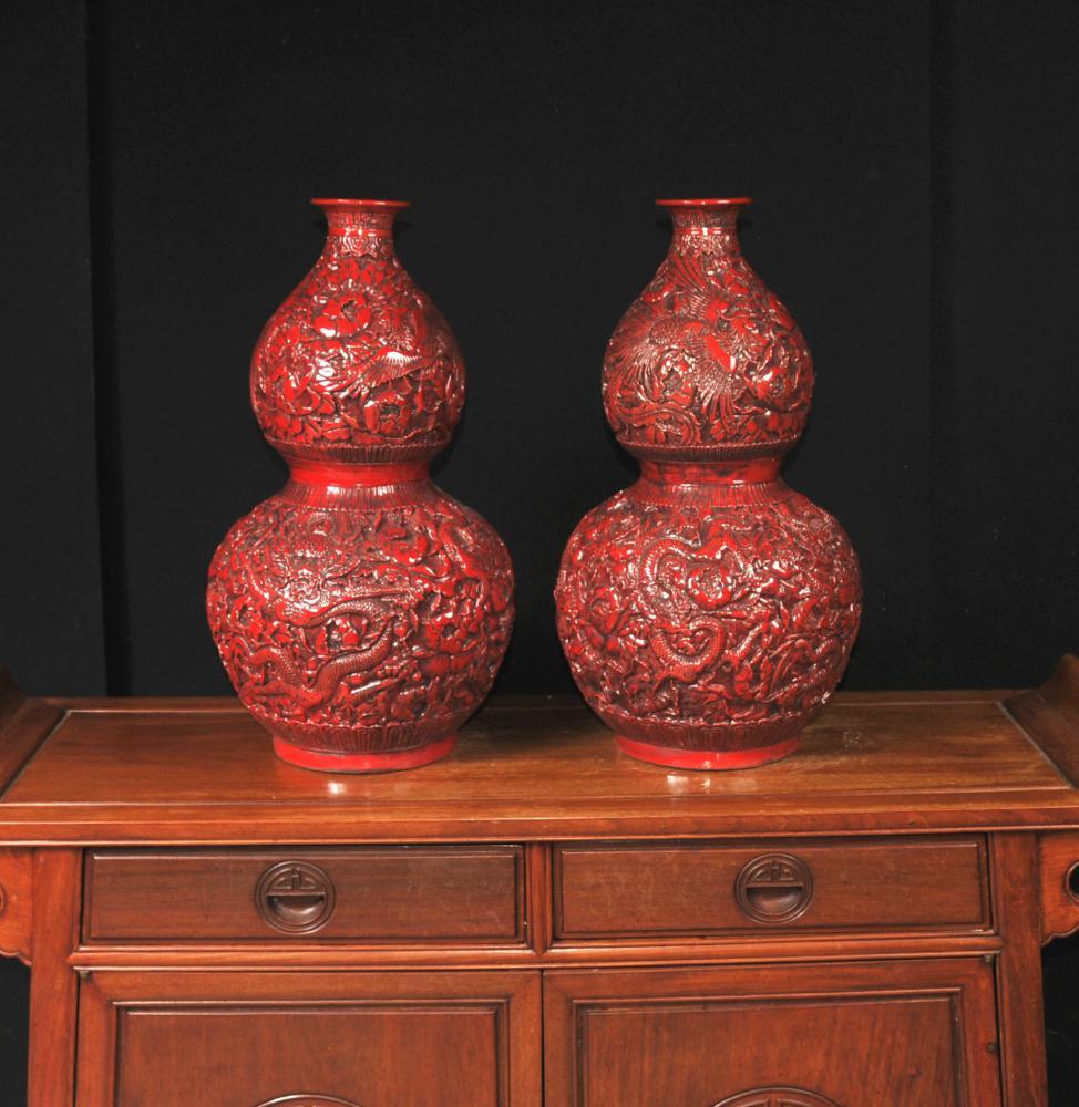 Paar Zinnober Lack chinesischen Vasen Tempel Urnen Doppel Gourd