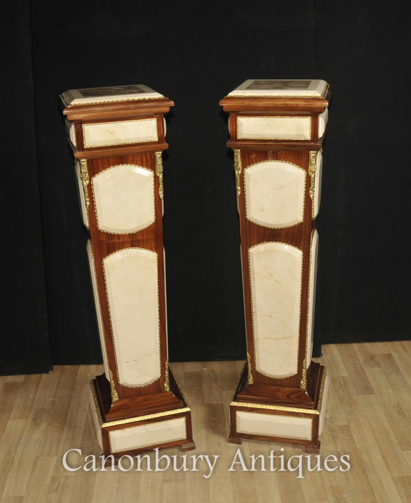 Paar Reich Säulentische Säulen stehen Carrera Marmor