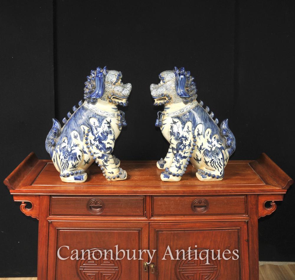 Pair Nanking Blau und Weiß Chinesisches Porzellan Foo Dogs Wächter Lions