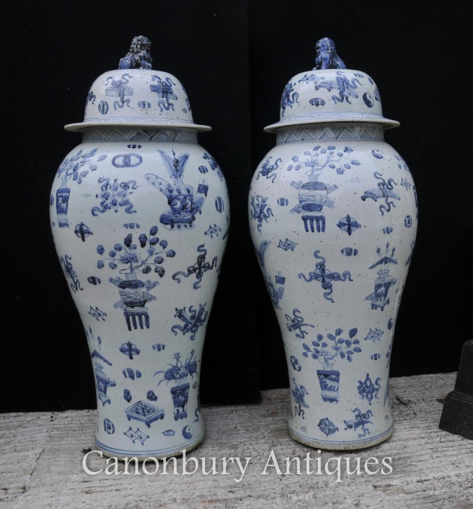 Paar Blaue und weiße Nanking Keramik Deckel Urnen Vasen Chinesisches Porzellan