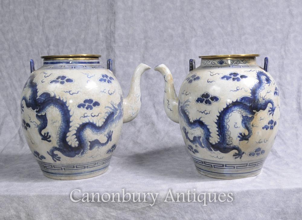 Paar Chinesisch Nanking blau und weiß Porzellan Teekannen Drachen