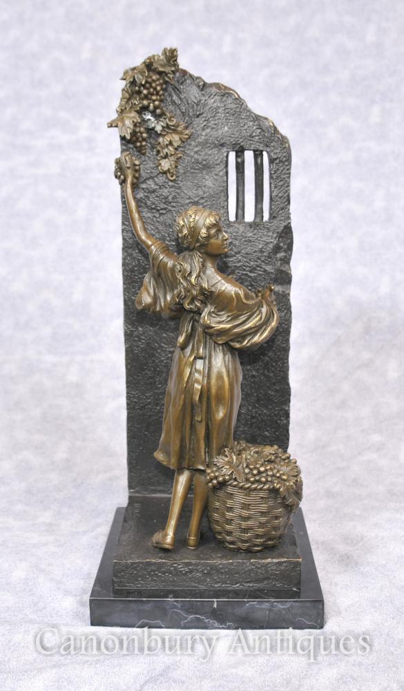 Italienische Bronze-Mädchen-Trauben-Picker-Statue Klassische Kunst unterzeichnetes Milo