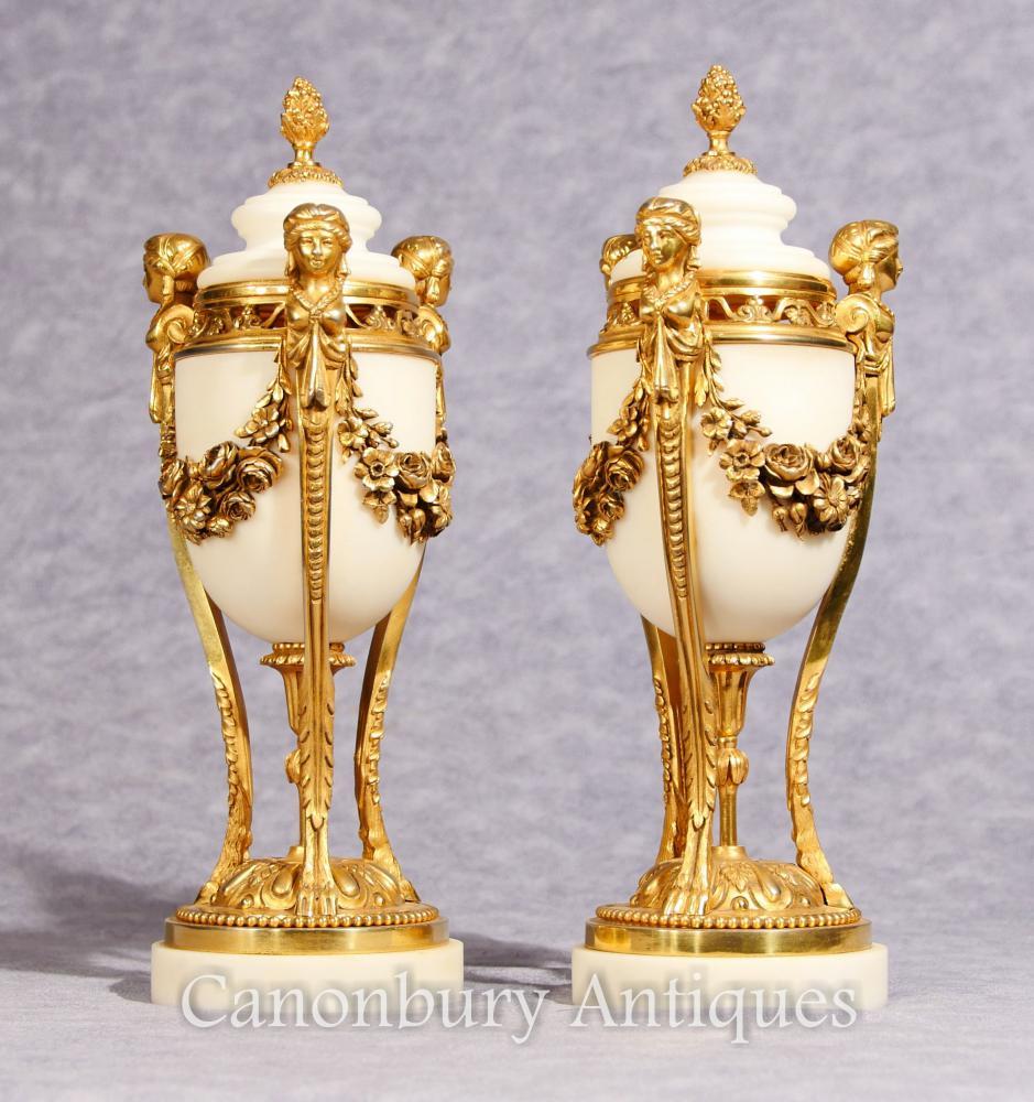 Paar Antike Französische Reich Marmor Cassoulets Urnen