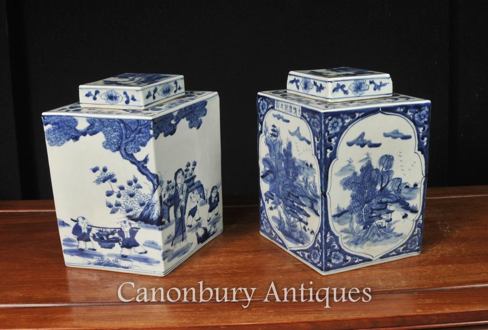 Paar Chinesische Nanking Porzellan Deckel Urnen Lozenge Form