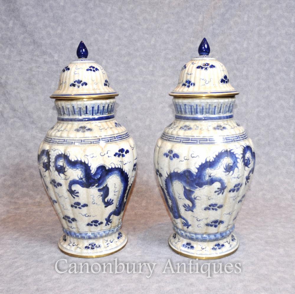 Paar chinesische blaue und weiße Porzellan-Vasen Urnen Drachen Nanking