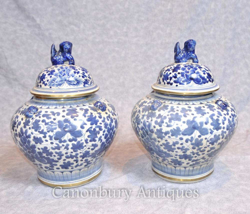 Pair chinesischen Nanking Porzellan Lidded Urnen Vasen Blaue und weiße Keramik