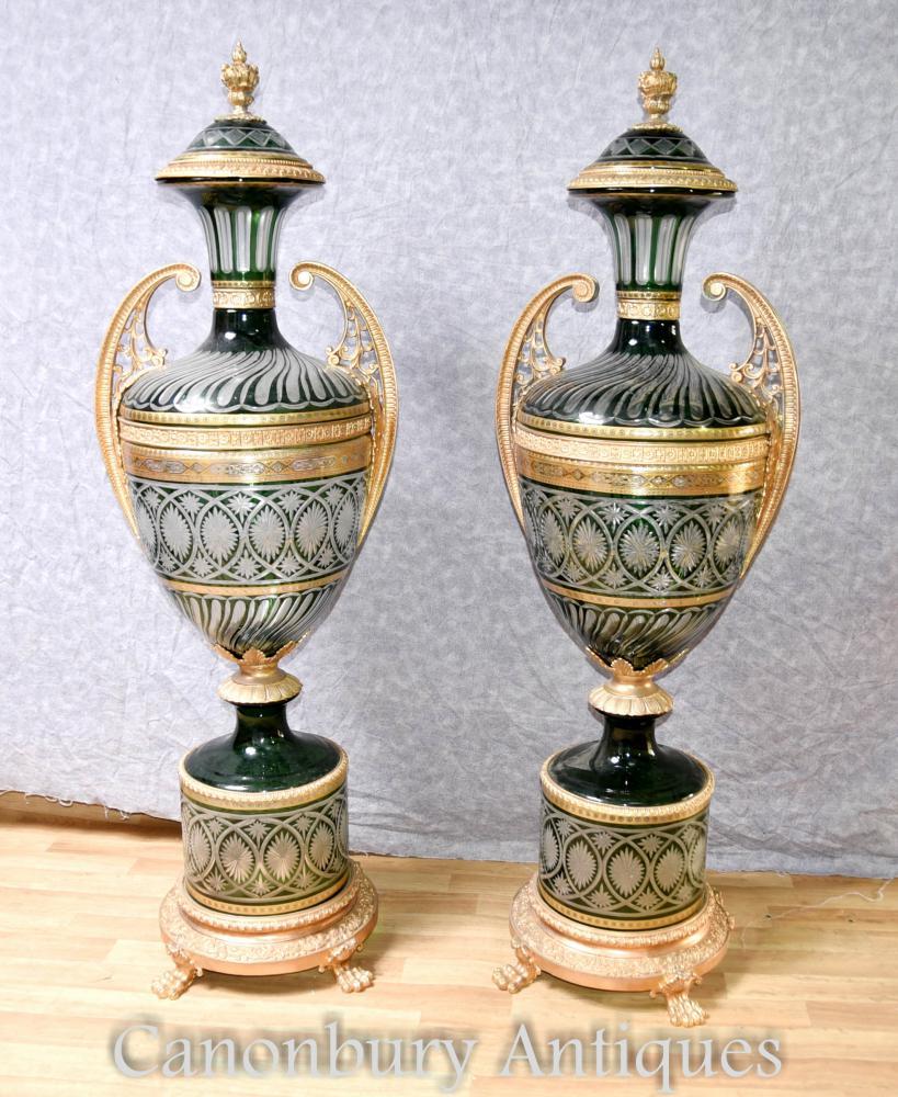 Pair XL Französisches Empire Cut Glas Urnen Architektonische Vasen