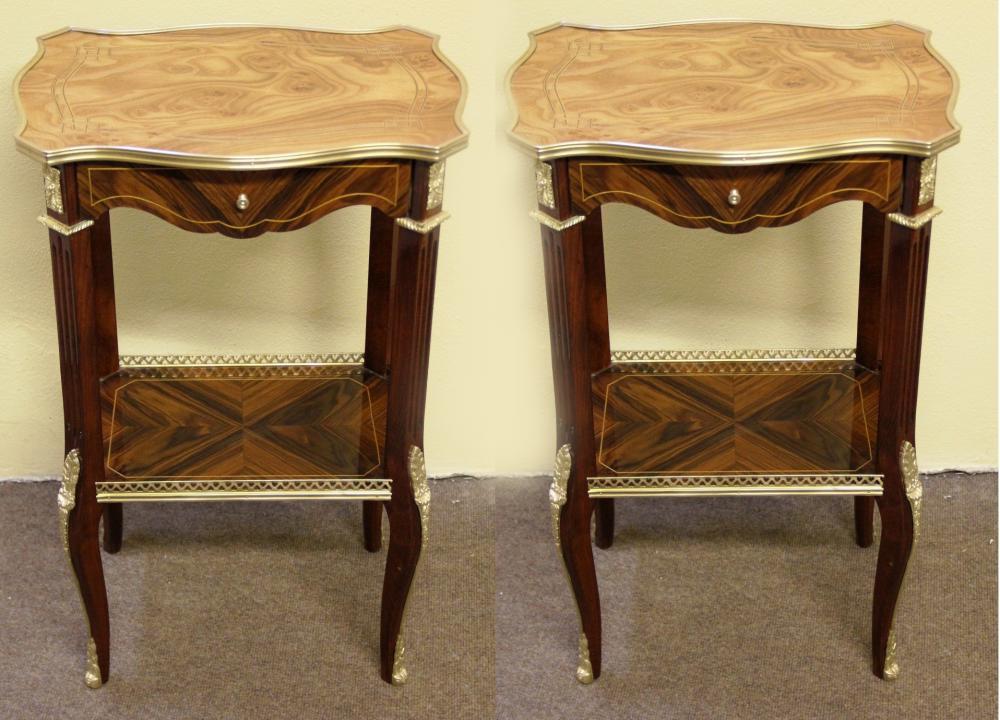 Paar Französische Beistelltische Empire Furniture Kingwood