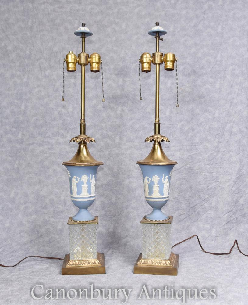 Paar Wedgewood Tischleuchten Lichter mit geschnittenen Kristallbasen