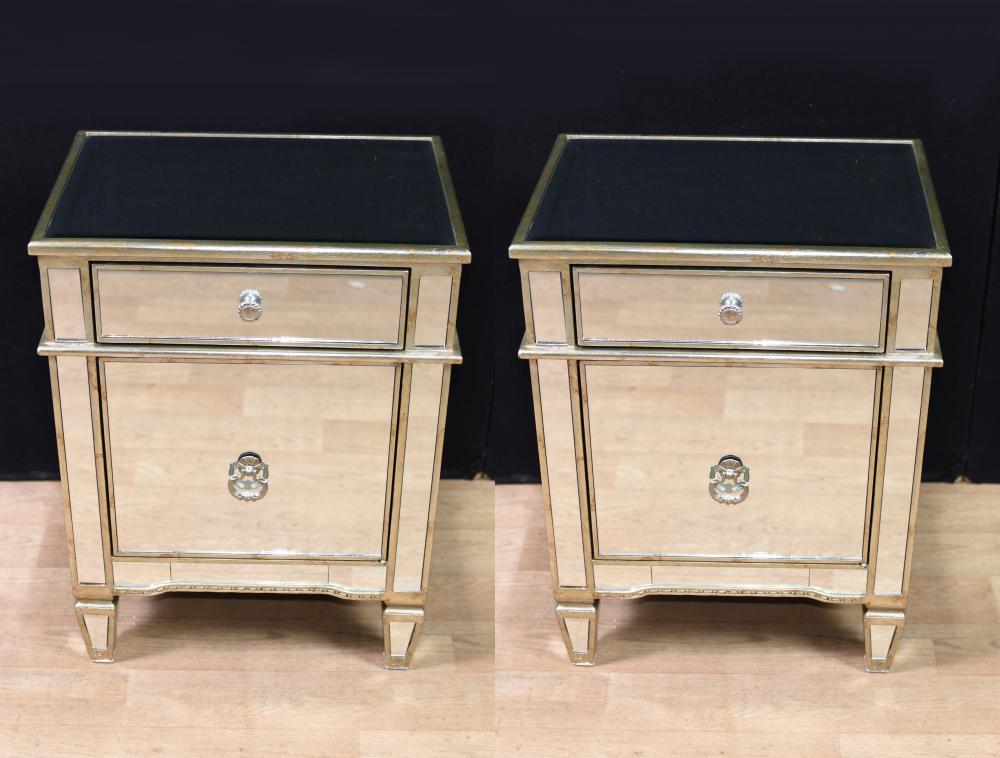 Paar Art Deco gespiegelte Nachttische Schränke Nighstands