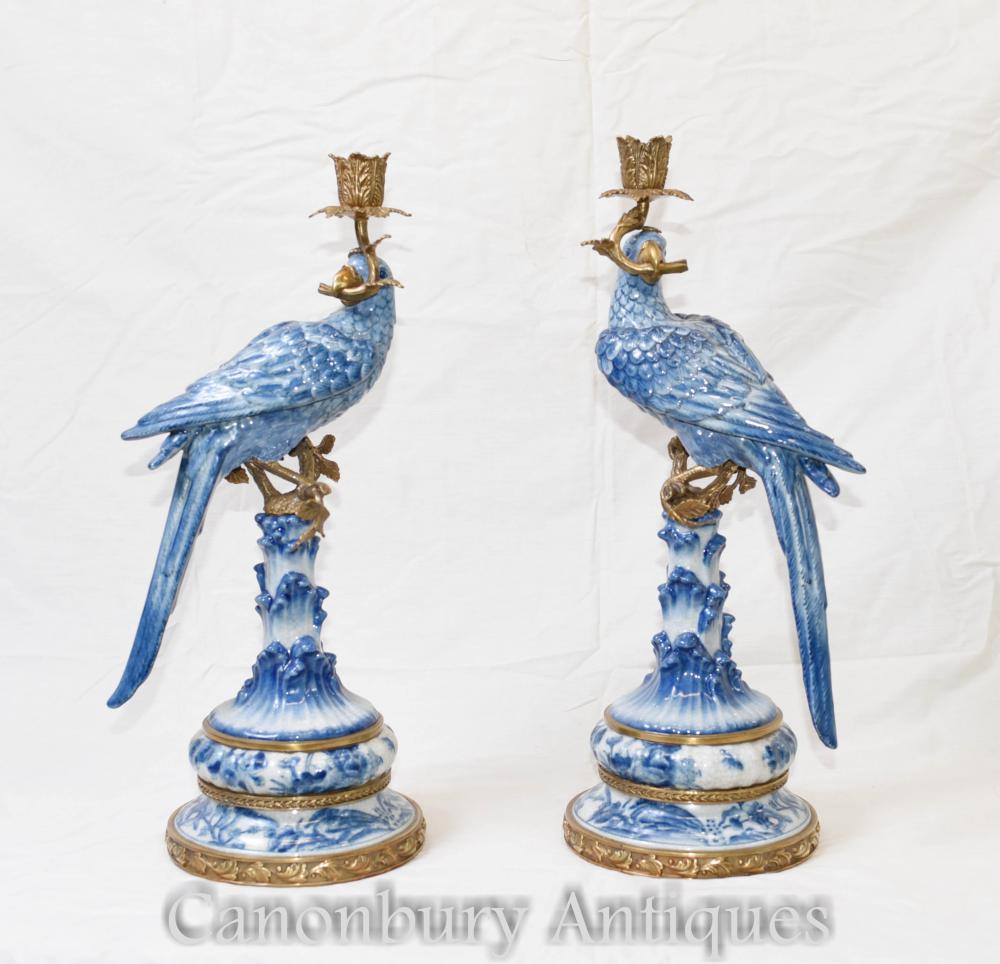 Pair Französisch Porzellan Parrot Leuchter Candelabras