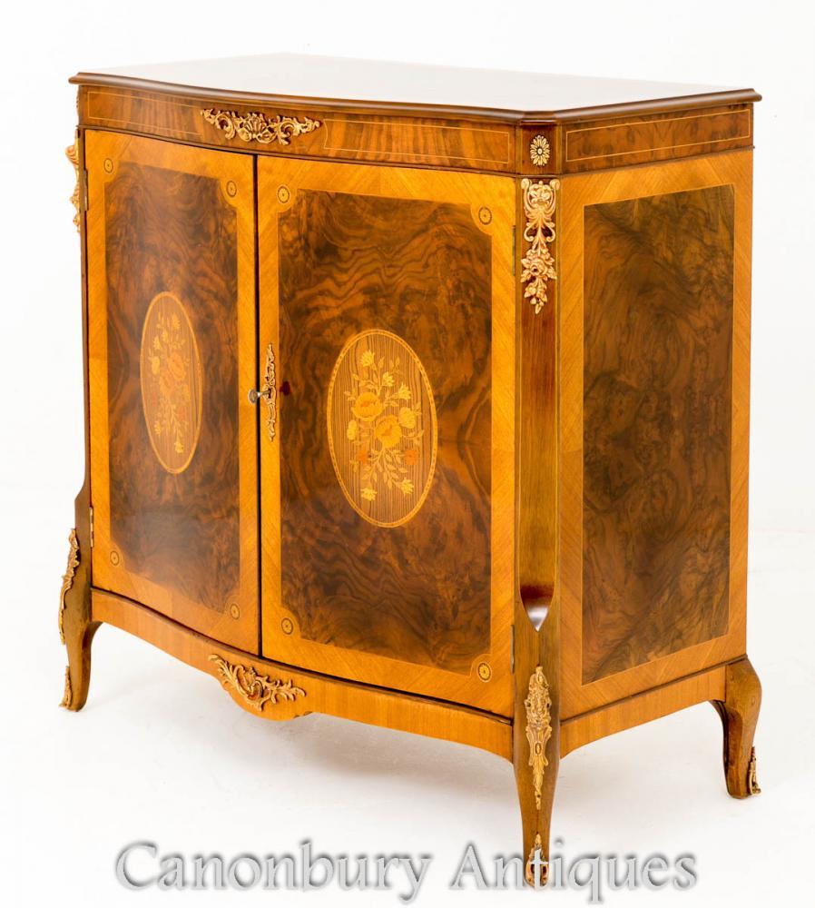 Antikes französisches Walnuss-Kabinett mit Intarsieneinlegearbeit
