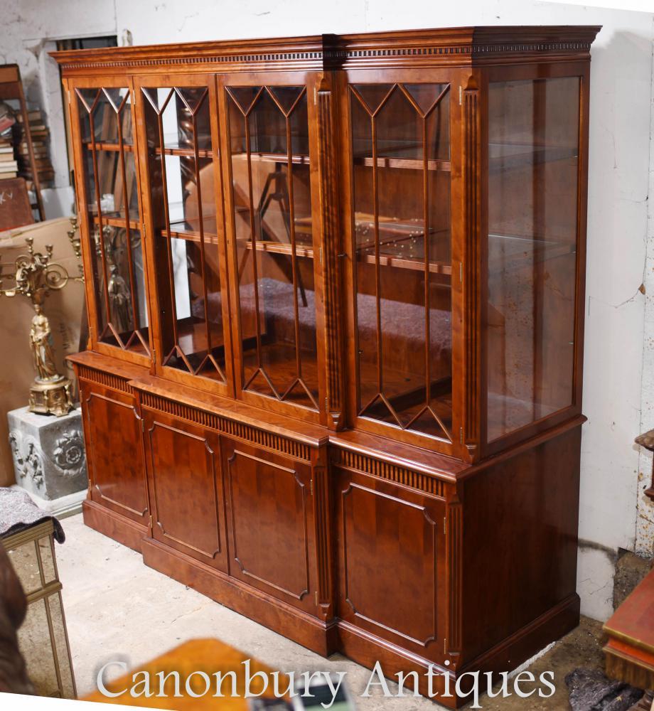 Großes viktorianisches Breakfront-Bücherregal im Mahagonischrank