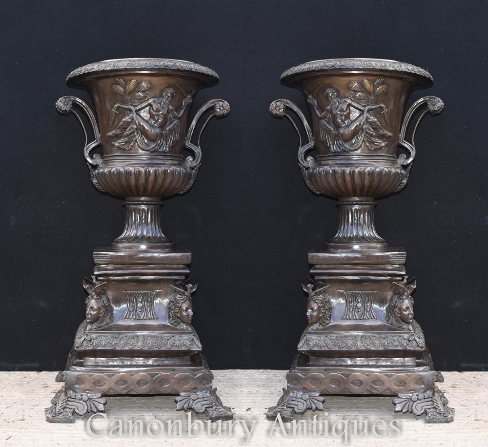 Paar Große Bronze Italienischen Campana Urnen Klassische PflanzgefäßePaar Große Bronze Italienischen Campana Urnen Klassische Pflanzgefäße