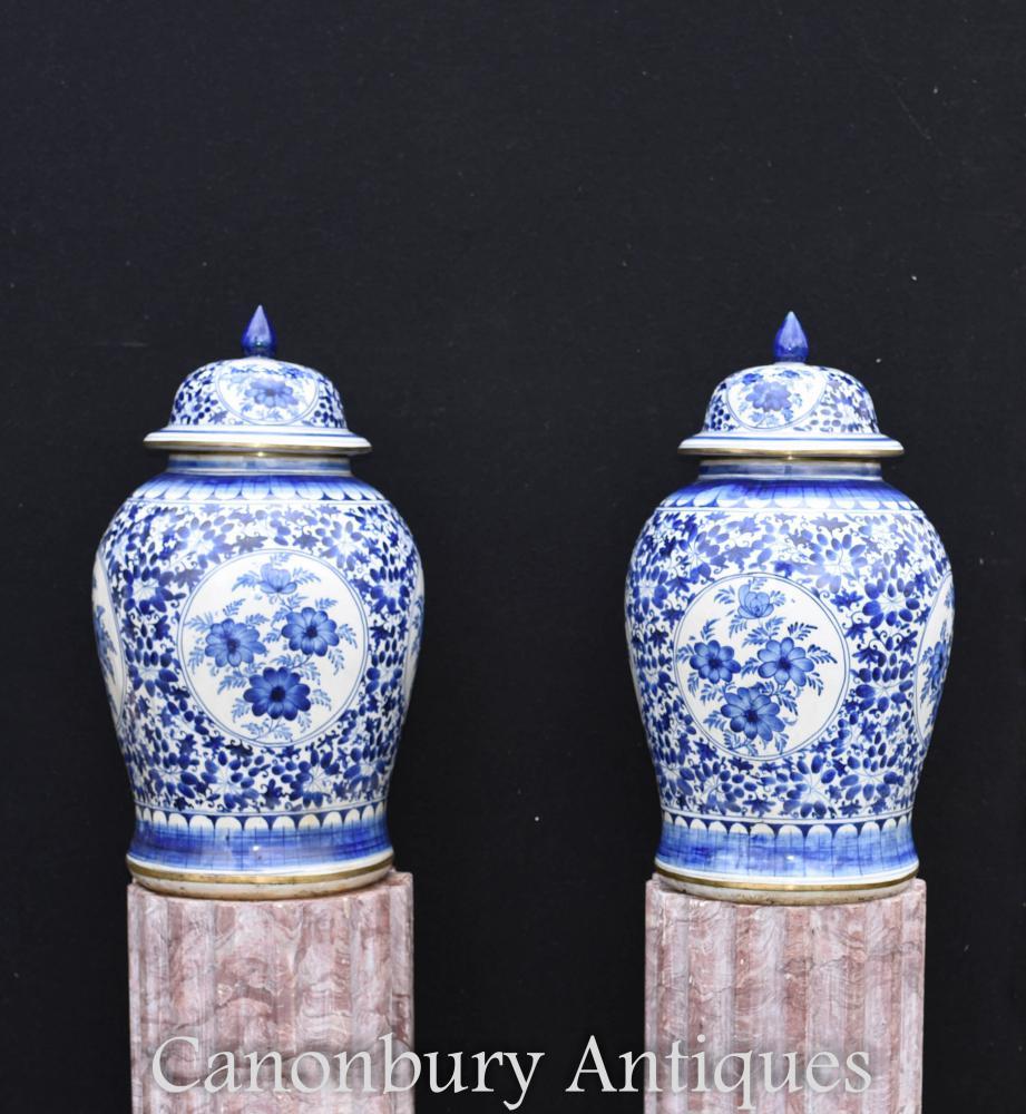 Paar chinesische Nanking blau und weiß Porzellan Tempel Gläser Deckel Urnen