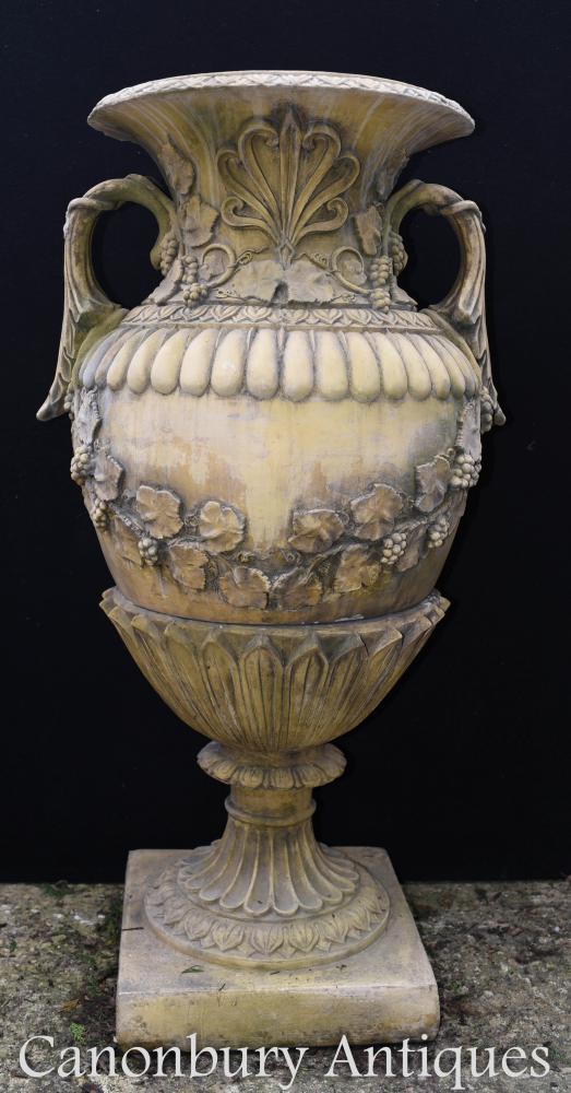 Paar große englische Steingarten Urnen Amphore Vase
