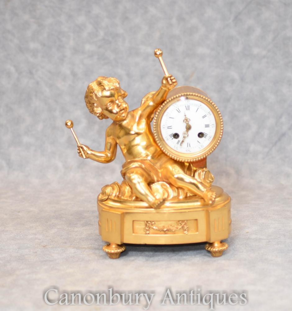 Antike französische Reich-Vergoldung-Engel-Umhang-Uhr Circa 1890