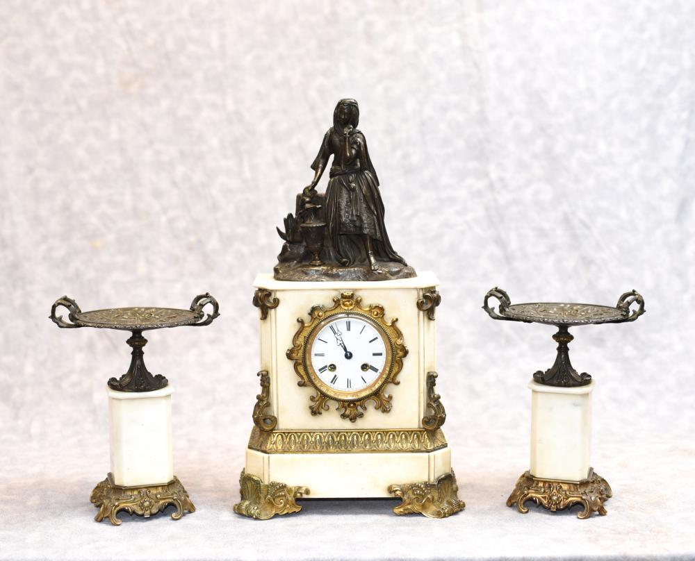 Französisches Reich Marmor Ormolu Mantle Clock Set Bronze Figur