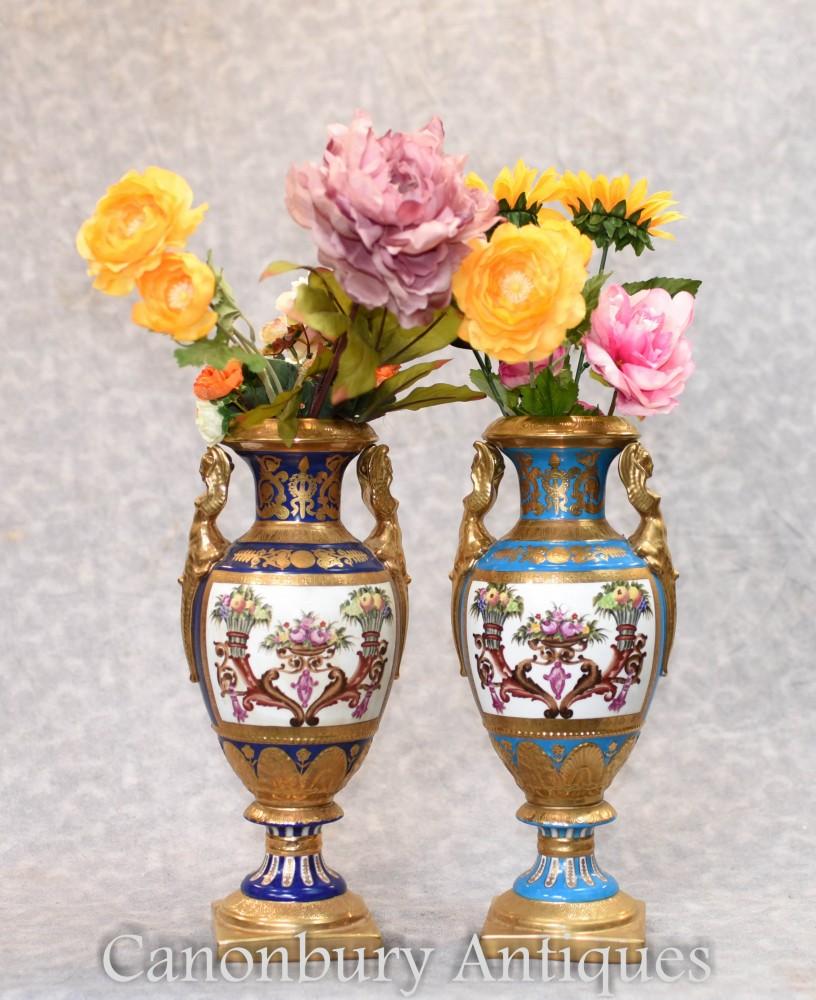 Paar Sevres Porzellanvasen - Amphora Urnen Floral