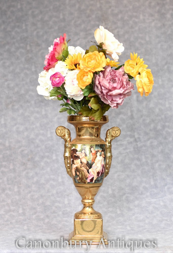 Porzellanvase von Sevres - Bemalte Roma Toga-Szenen-Urne
